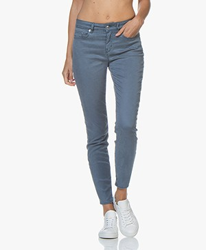 Drykorn Need Garment-dyed Skinny Jeans - Middenblauw