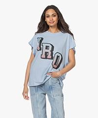 IRO Robbie Logo Print T-shirt - Lichtblauw