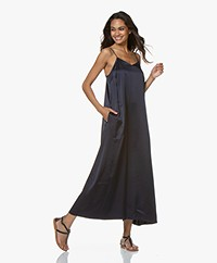 extreme cashmere N°50 Pina Silk Maxi Dress - Navy