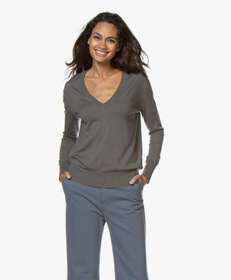 Filippa K Silk Mix V-Neck Trui - Mineral Grey
