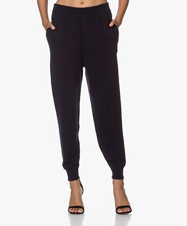extreme cashmere N°56 Yogi Chunky Knit Cashmere Pants - Navy