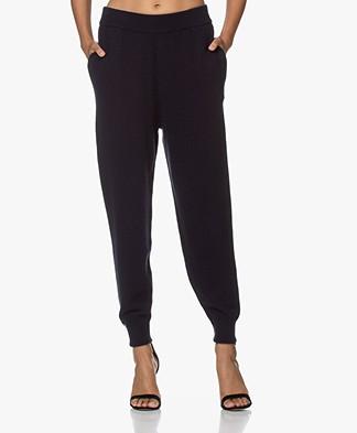 extreme cashmere N°56 Yogi Cashmere Grof Gebreide Cashmere Broek - Navy