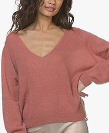 American Vintage Ugoball V-neck Sweater - Antique Pink