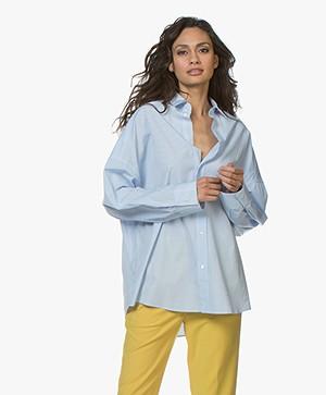 IRO Sedate Oversized Gestreepte Overhemdblouse - Lichtblauw/Wit