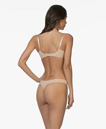 Calvin Klein Invisibles Thong - Light Caramel