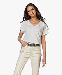 Drykorn Svana Katoenen V-hals T-shirt - Lichtgreige