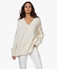 extreme cashmere N°124 Vital Cashmere V-neck Sweater - Cream