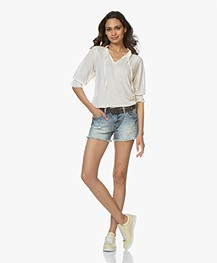 Closed Jersey T-shirt met Strikhals - Blanched Almond