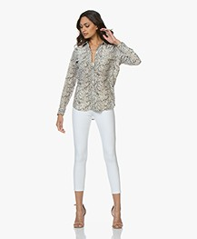 Equipment Slim Signature Washed-silk Blouse - Snake Print