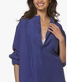 extreme cashmere N°67 Feel Habotai Zijde Blouse - Electric Blue