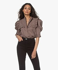 By Malene Birger Oia Blouse met Volants - Dark Mink