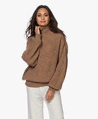 IRO Speech Chunky Alpaca Blend Turtleneck Pull - Camel