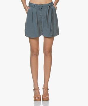 indi & cold Lyocell Bermuda Shorts - Plomo