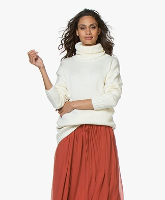 Joseph Sloppy Joe Wool Turtleneck Sweater - Off-white
