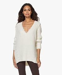 Resort Finest Chunky Cashmere Blend V-neck Sweater - Ecru