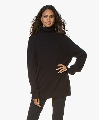 extreme cashmere N°57 Be All Turtleneck Sweater - Navy