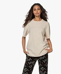 extreme cashmere N°64 Lang Gebreid Cashmere T-shirt - Latte