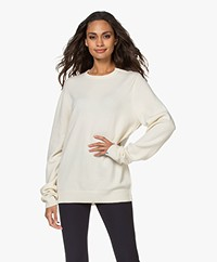 extreme cashmere N°36 Be Classic Cashmere Trui met Ronde Hals - Cream