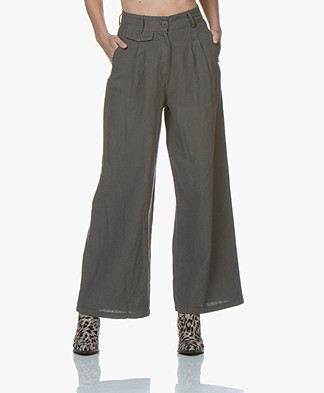 Friday's Project Pleated Wide Leg Pants - Lead Grey