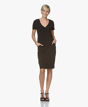 JapanTKY Tyra Travel Jersey V-neck Dress - Black