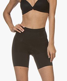 SPANX® OnCore Mid-Thigh Short - Zwart