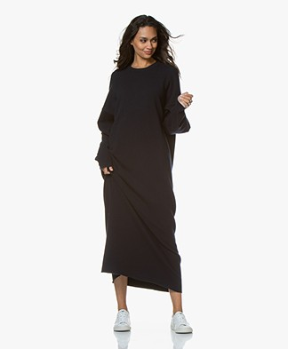 extreme cashmere N°106 Weird Knitted Maxi Dress - Navy