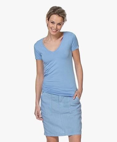Majestic Filatures Soft Touch V-Hals T-Shirt - Vista Blauw