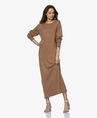 extreme cashmere N°95 Tiamo Maxi Dress - Tan