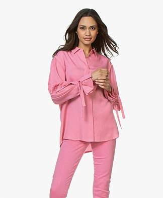 Repeat Tencel Blouse met Strikmanchetten - Roze