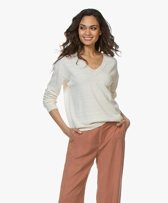 Closed Fine Knit V-Neck Pullover with Lurex Detailing - Off-White