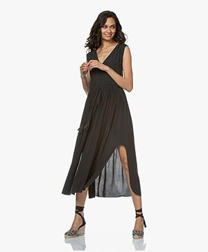 BRAEZ Sleeveless Midi-dress with Pleats - Petrol