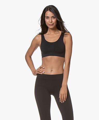 HANRO Yoga Comfort Crop Top - Black