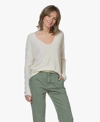 Drykorn Linna Chunky Knit V-neck Sweater - Vanilla