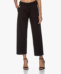studio .ruig Balou Jersey Cropped Pleated Pants - Black
