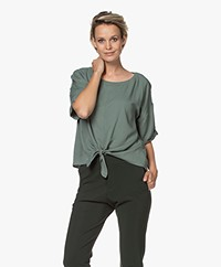 studio .ruig Tine Viscose Blouse met Strikzoom - Jade