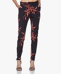 JapanTKY Yogi Printed Travel Jersey Pants - Tropical Leaf