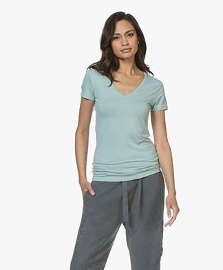 Majestic Filatures Soft Touch V-Hals T-Shirt - Jade Groen