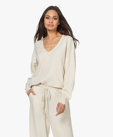 extreme cashmere N°161 Clac Cashmere Trui - Cream