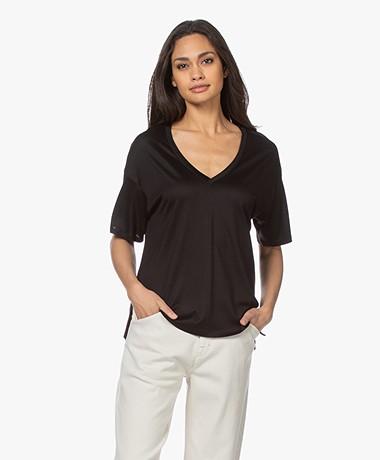 Drykorn Svennie Lyocell V-hals T-shirt - Zwart
