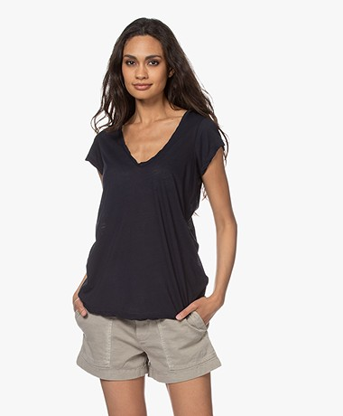 James Perse V-hals T-shirt in Extra-fijne Jersey - Diep Donkerblauw