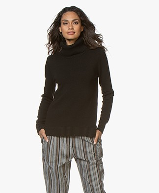 Belluna Robin Fine Knit Sweater with Cashmere - Black