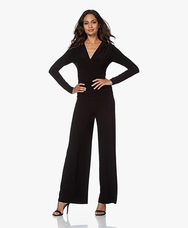 Norma Kamali V-hals Shirred Tech Jersey Jumpsuit - Zwart
