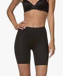 SPANX® Thinstincts Mid-Thigh Shorts - Zwart