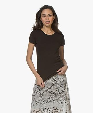 Majestic Filatures Alison T-shirt met Hoge Ronde Hals - Zwart