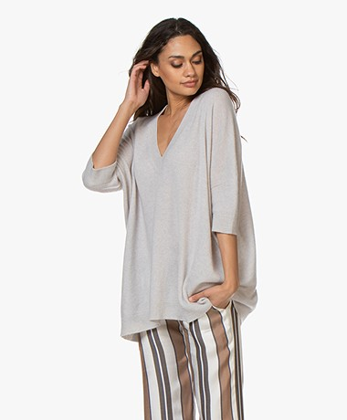 LaSalle Oversized V-Neck Sweater in Cashmere - Ice