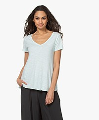 American Vintage Jacksonville V-neck T-shirt - Baby Blue Vintage