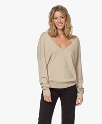 extreme cashmere N°38 Be Low Cashmere V-neck Sweater - Latte