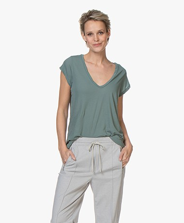James Perse V-hals T-shirt in Extrafijne Jersey - Tropic