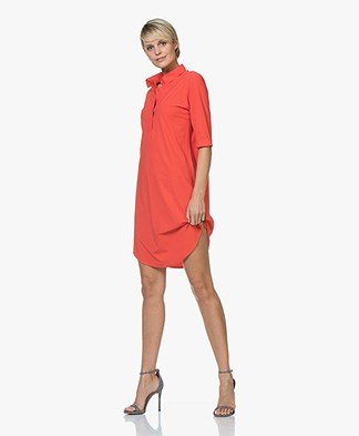 Josephine & Co Roos Travel Jersey Jurk - Rood
