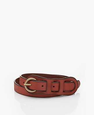Closed Narrow Leather Belt - Pecan